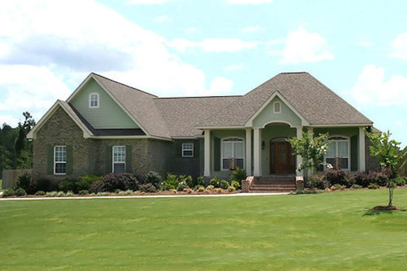 Traditional Exterior - Front Elevation Plan #21-293 - Houseplans.com