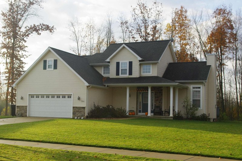 Home Plan Design - Traditional Exterior - Front Elevation Plan #20-2015