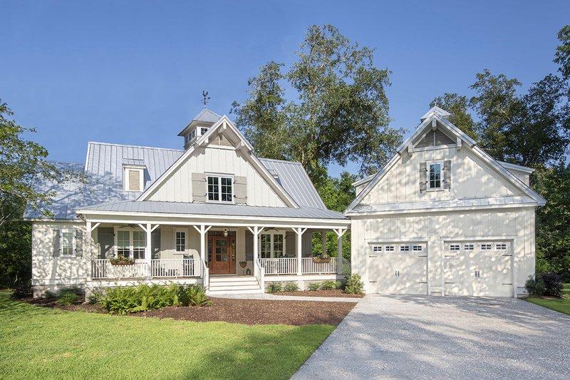 Dream House Plan - Farmhouse Exterior - Front Elevation Plan #929-1116