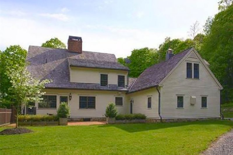 Colonial Exterior - Rear Elevation Plan #137-207 - Houseplans.com