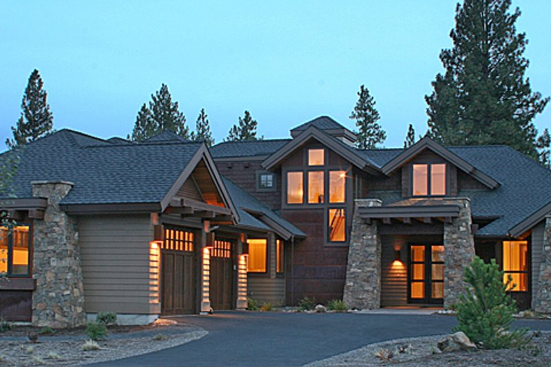 Home Plan - Craftsman Exterior - Front Elevation Plan #892-7