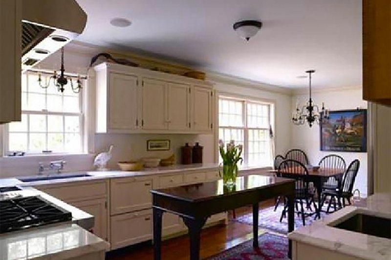 Colonial Interior - Kitchen Plan #137-207 - Houseplans.com