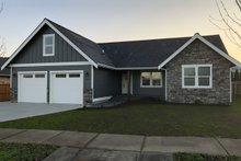 Dream House Plan - Craftsman Exterior - Front Elevation Plan #1070-46