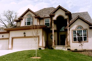 Traditional Exterior - Front Elevation Plan #405-148