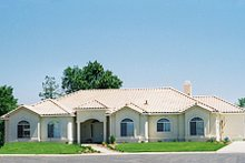 Home Plan - Traditional Exterior - Front Elevation Plan #437-30