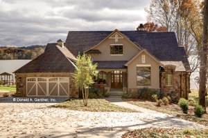 Craftsman Exterior - Front Elevation Plan #929-861