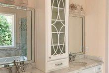 Craftsman Interior - Bathroom Plan #437-105