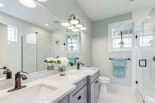 Craftsman Interior - Master Bathroom Plan #1070-17