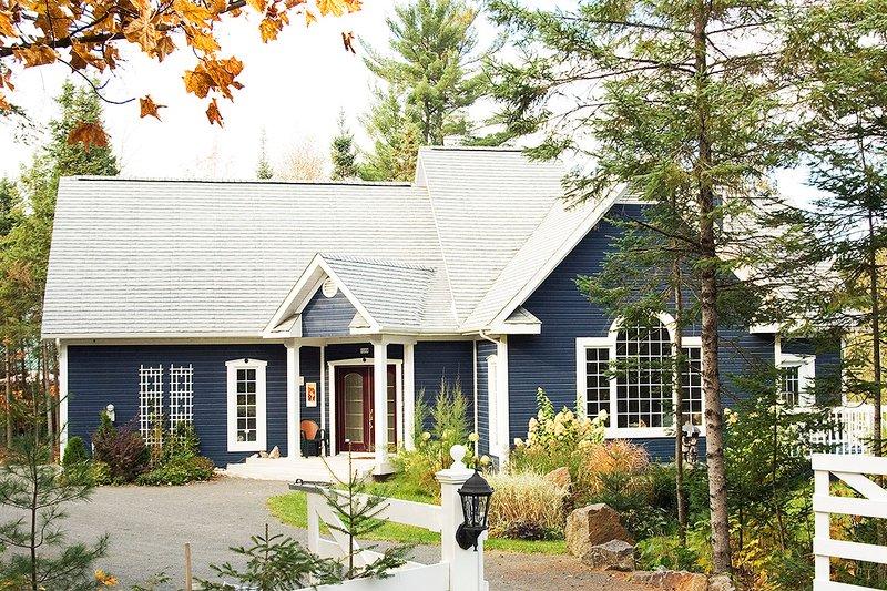 Home Plan - Farmhouse Exterior - Front Elevation Plan #23-230