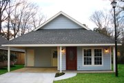 Traditional Style House Plan - 3 Beds 2 Baths 1200 Sq/Ft Plan #430-38 Exterior - Front Elevation