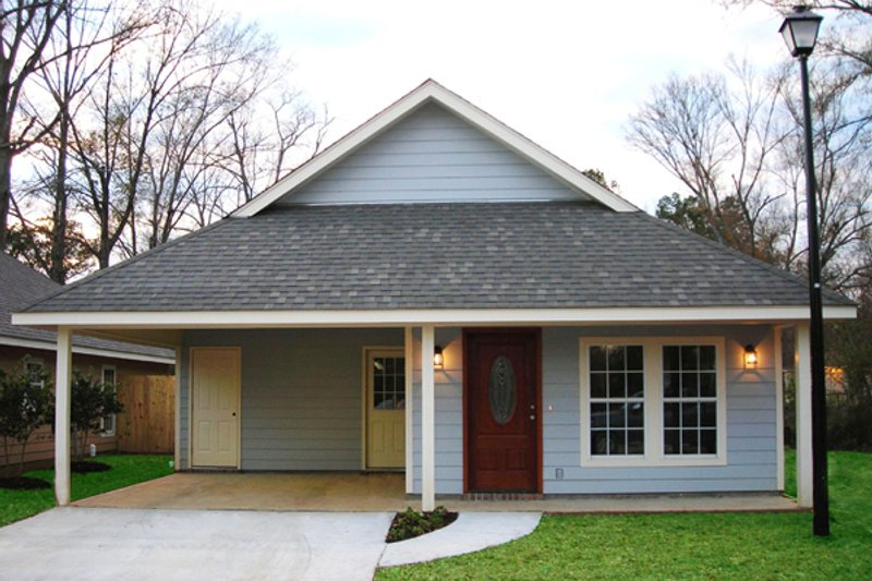 Dream House Plan - Traditional Exterior - Front Elevation Plan #430-38
