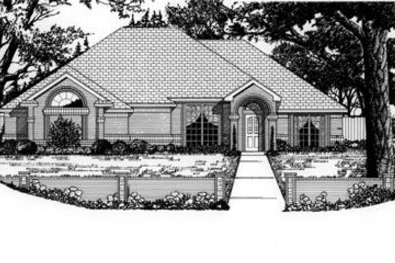 Traditional Exterior - Front Elevation Plan #62-106 - Houseplans.com
