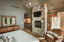 Craftsman Interior - Master Bedroom Plan #70-1433