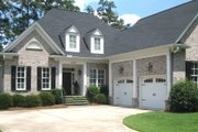 Traditional Style House Plan - 4 Beds 4.5 Baths 2862 Sq/Ft Plan #1054-40 Exterior - Front Elevation