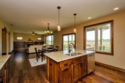 Traditional Style House Plan - 4 Beds 2.5 Baths 2326 Sq/Ft Plan #20-2054 Interior - Family Room