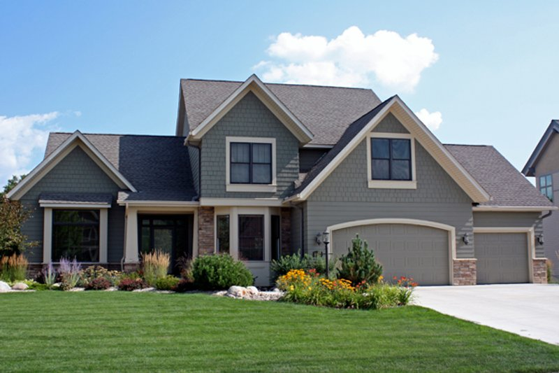 Craftsman Style House Plan - 3 Beds 2.5 Baths 2635 Sq/Ft Plan #51-419 Exterior - Front Elevation