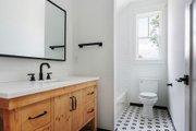 Craftsman Style House Plan - 3 Beds 3 Baths 2590 Sq/Ft Plan #461-73 Interior - Bathroom