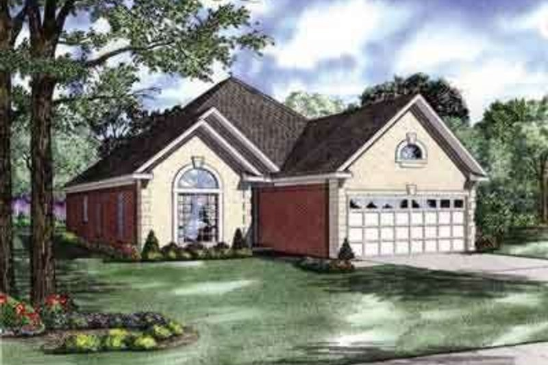 Traditional Style House Plan - 3 Beds 2 Baths 1750 Sq/Ft Plan #17-102 Exterior - Front Elevation
