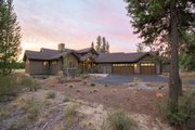 Craftsman Style House Plan - 3 Beds 4.5 Baths 2536 Sq/Ft Plan #892-11 Exterior - Front Elevation