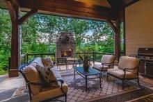 Craftsman Exterior - Outdoor Living Plan #120-184
