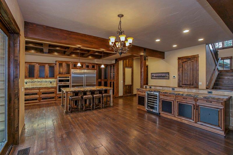 Craftsman style house design, kitchen photo