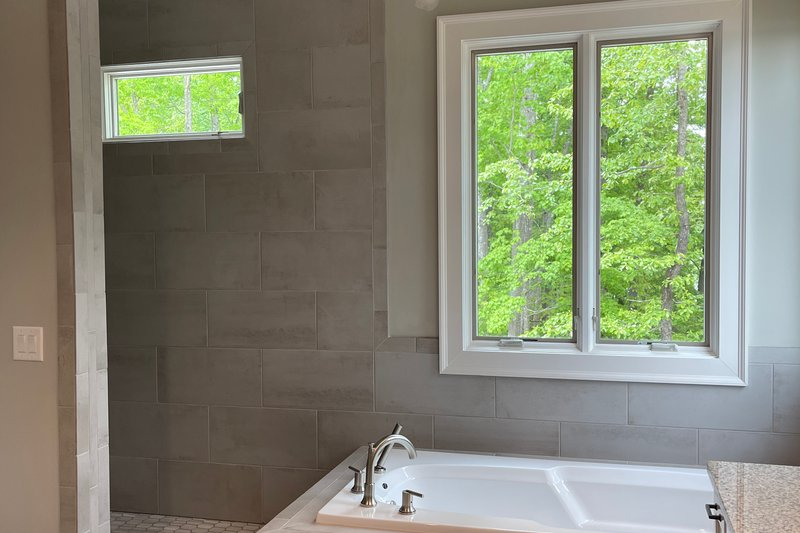 Dream House Plan - Craftsman Interior - Master Bathroom Plan #437-124