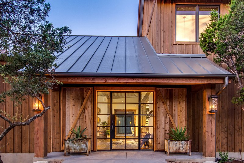 Home Plan - Farmhouse Exterior - Front Elevation Plan #935-17