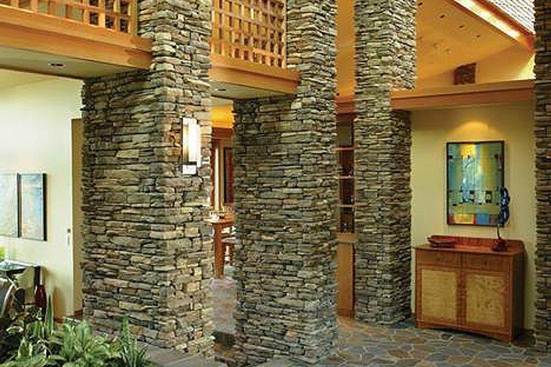 Ranch Interior - Entry Plan #48-433 - Houseplans.com