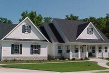 Home Plan Design - Traditional Exterior - Front Elevation Plan #31-102