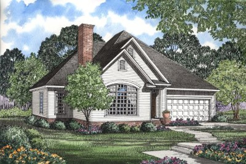 Traditional Style House Plan - 3 Beds 2 Baths 1654 Sq/Ft Plan #17-1007 Exterior - Front Elevation