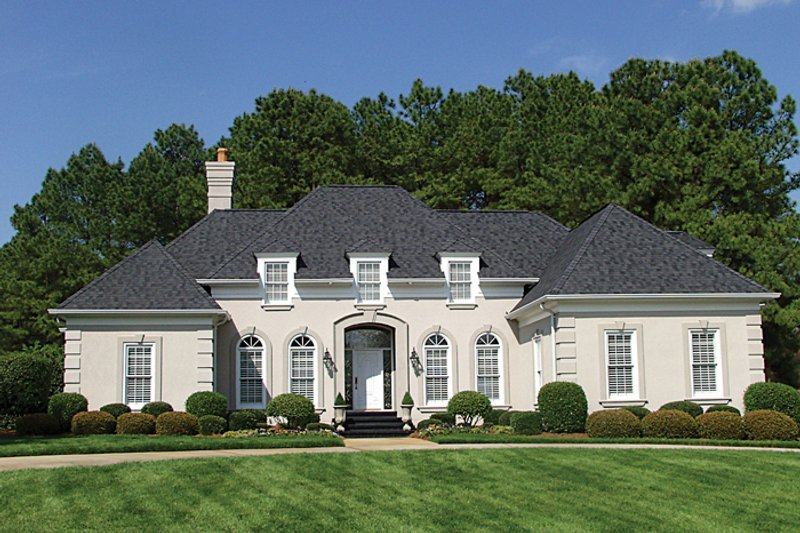 European Style House Plan - 3 Beds 2.5 Baths 2500 Sq/Ft Plan #453-30 Exterior - Front Elevation