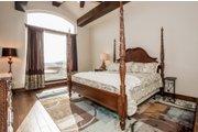 Prairie Style House Plan - 4 Beds 4.5 Baths 3716 Sq/Ft Plan #80-198 Interior - Master Bedroom