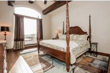Prairie Interior - Master Bedroom Plan #80-198