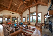 Log Interior - Family Room Plan #942-43