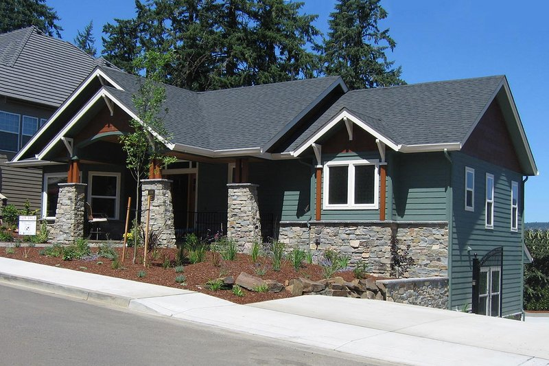 House Plan Design - Craftsman Exterior - Front Elevation Plan #124-622