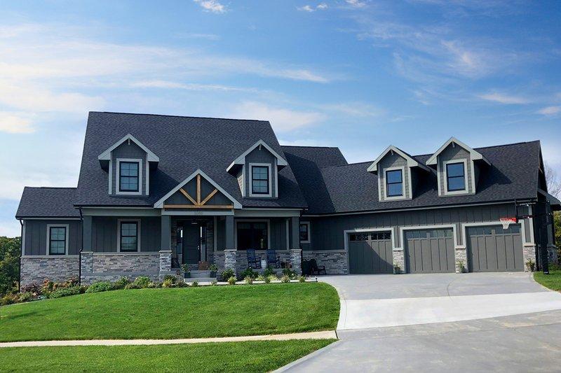 House Plan Design - Craftsman Exterior - Front Elevation Plan #70-1487