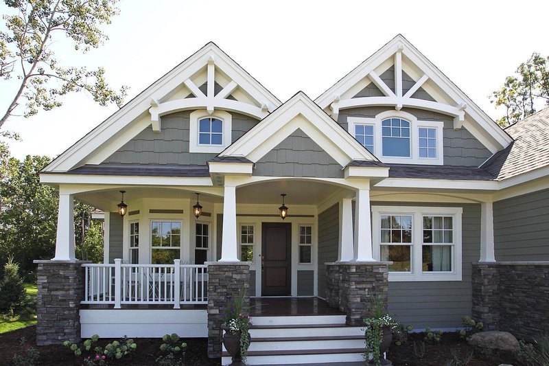 Craftsman Style House Plan - 3 Beds 2 Baths 2320 Sq/Ft Plan ... on