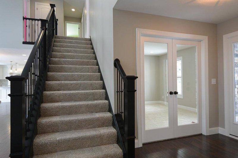 Traditional Interior - Entry Plan #20-2126 - Houseplans.com