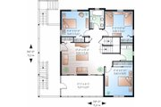 Traditional Style House Plan - 5 Beds 3.5 Baths 2392 Sq/Ft Plan #23-869