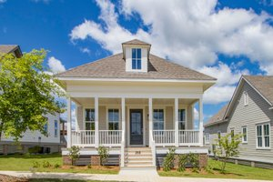 Traditional Exterior - Front Elevation Plan #69-397