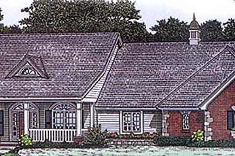 Traditional Style House Plan - 4 Beds 2.5 Baths 2006 Sq/Ft Plan #310-168 Exterior - Front Elevation