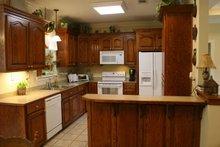 Traditional Interior - Kitchen Plan #21-139
