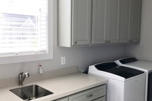 Craftsman Interior - Laundry Plan #437-85