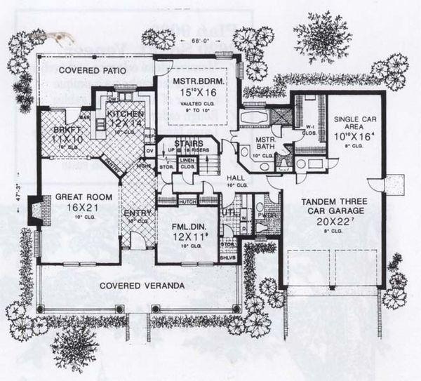 Traditional Floor Plan - Main Floor Plan #310-856