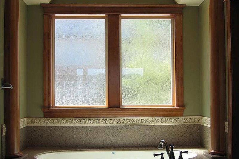 Craftsman Interior - Master Bathroom Plan #124-622 - Houseplans.com