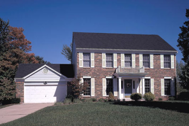 Colonial Style House Plan - 4 Beds 2.5 Baths 2358 Sq/Ft Plan #57-212 Exterior - Front Elevation