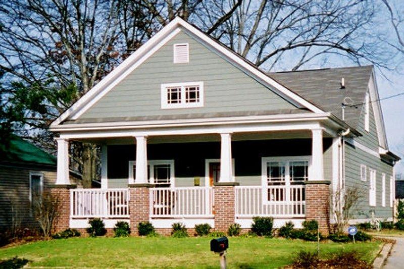 Craftsman Style House Plan - 3 Beds 2 Baths 1620 Sq/Ft Plan #30-197