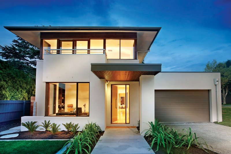 Modern Style House Plan - 4 Beds 2.5 Baths 3584 Sq/Ft Plan #496-18 Exterior - Front Elevation