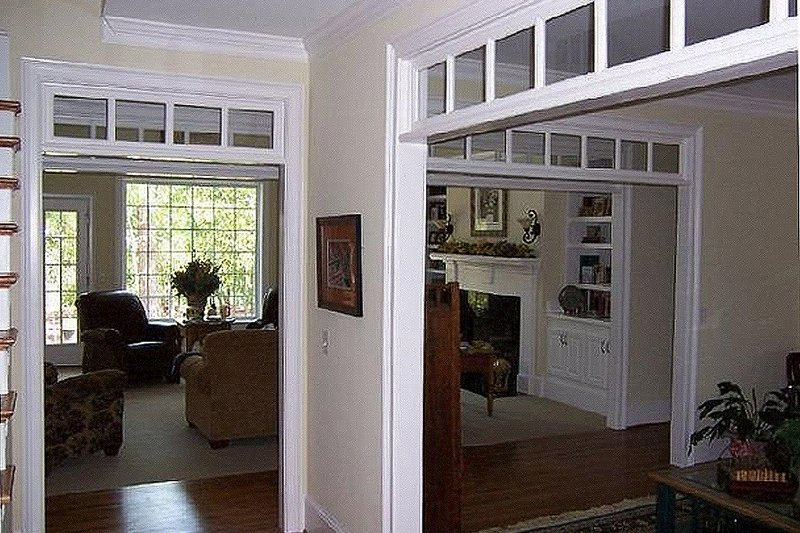 Entry - 3100 square foot Southern home