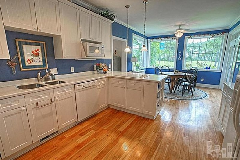Kitchen - 2600 square foot Southern home